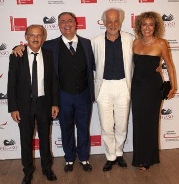 Cast, 5 è il Numero Perfetto di Igor Tuveri con Carlo Buccirosso, Tony Servillo, Valeria Golino